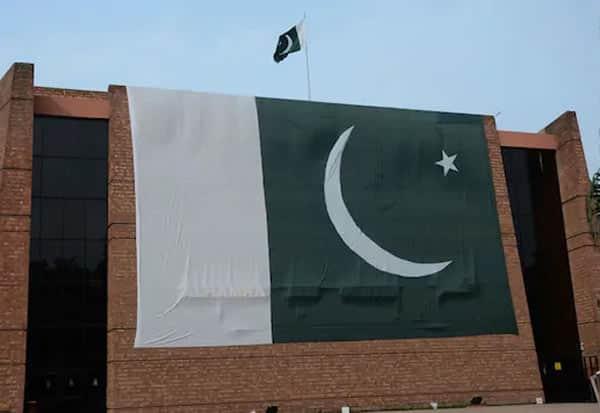 Pakistan, pakistan University, Quran, குரான், கட்டாயம், பாகிஸ்தான்