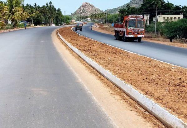 எப்போது நத்தம் 4 வழிச்சாலை நிறைவடைவது : திண்டுக்கல் மாவட்ட மக்கள் எதிர்பார்ப்பு