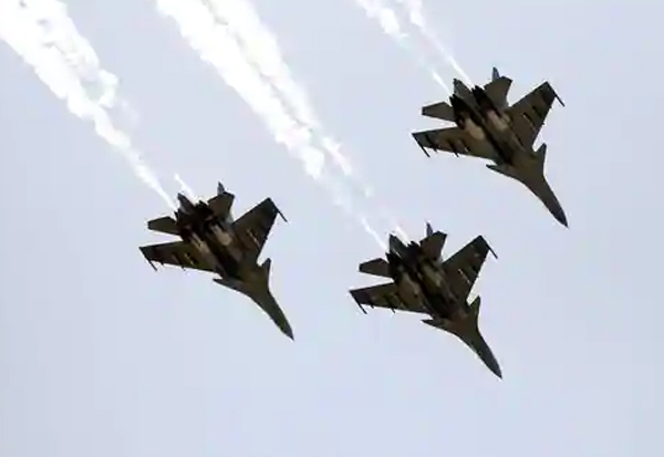 russia, india, 33 war planes, fighter jets, iaf, Indian air force, china-india border issue,  Sukhoi Su-30 MKI, Mikoyan-Gurevich MiG-29, 12 Sukhoi Su-30 MKIs, 21 MiG-29s,   ரஷ்யா, இந்தியா, 33 போர் விமானங்கள், வழங்கல்
