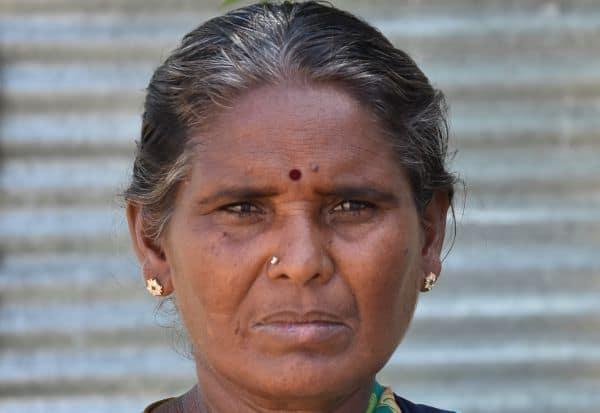 ஊரடங்கால் மண்பாண்டங்கள் விற்பனைகுறைவு: தொழிலாளர்கள் பாதிப்பு