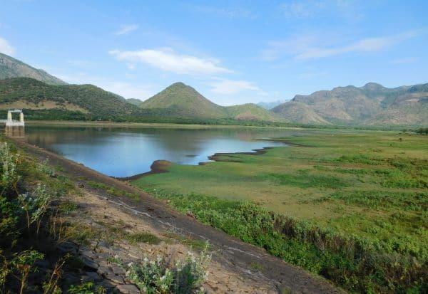 குறையும் மஞ்சளாறு அணை நீர்மட்டம்: இரு மாவட்ட குடிநீருக்கு சிக்கல்