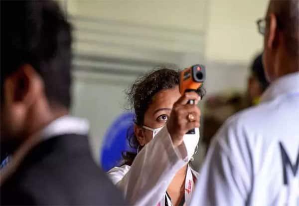 மதுரை,கொரோனா, கோரதாண்டவம், பாதிப்பு, ஆயிரத்தை கடந்தது, tamil nadu, tn news, madurai, covid-19, coronavirus, corona, coronavirus outbreak, covid-19 pandemic, corona cases in madurai, corona spread, corona patients