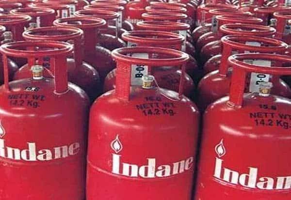 Gas Cylinder, Price, Hike, Chennai, LPG, cylinder, Liquified petroleum gas, lpg cylinder, non-subsidised, LPG cylinder price, India, coronavirus, TN, Tamil Nadu lpg price, காஸ், கேஸ், சிலிண்டர், விலை, உயர்வு