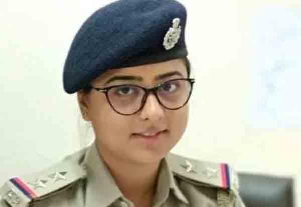 Gujarat, Woman, sub-inspector, arrest, bribe, rape accused