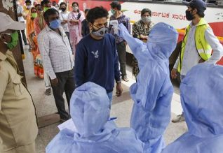 இந்தியாவில் 7.4 லட்சம் பேருக்கு கொரோனா: 20,642 பேர் பலி