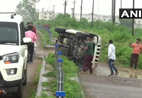 ரவுடி, விகாஸ்துபே, என்கவுன்டர், சுட்டுக்கொலை