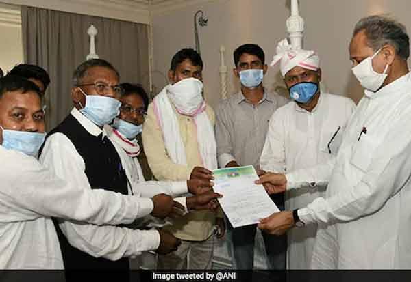 இரண்டு பழங்குடியின எம்.எல்.ஏ.க்கள்  கெலாட்டிற்கு ஆதரவு, Rajasthan CM, Ashok Gehlot, Bhartiya Tribal Party MLA, Regional Party, MLAs, Congress Crisis, rajasthan,