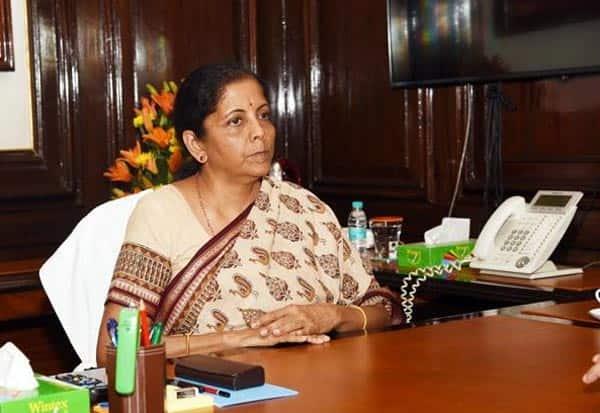nirmala sitharaman, bank loan, banking, நிர்மலாசீதாராமன், நிதியமைச்சர், வங்கிகடன், தொழில்அமைப்பு, விசாரணை