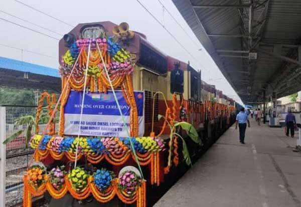 bangaladesh, diesel rail engines, offer, வங்கதேசம், 10 டீசல் ரயில் என்ஜின்கள், இந்தியா, வழங்கல்