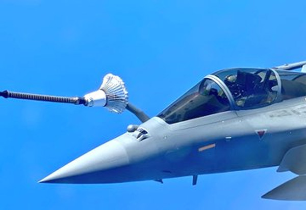 Rafale Jets, India, Indian Air Force, Rafale, refuelled, mid air, viral photo