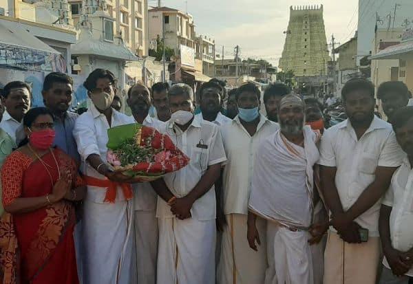 அயோத்தி கோவிலுக்கு  ராமேஸ்வரம் மணல்