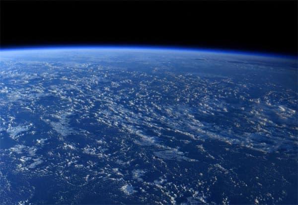 Astronaut, Earth, Space, Viral, விண்வெளி, பூமி, புகைப்படம், வைரல்