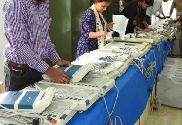 ஓட்டுப்பதிவு இயந்திரங்கள் எவ்வளவு தேவை :தமிழகத்திடம் கேட்கிறது தேர்தல் கமிஷன்