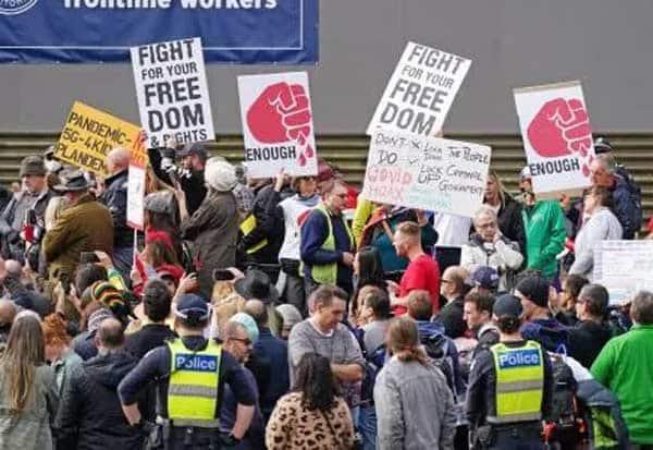 australia, corona, lockdown, protest,ஆஸ்திரேலியா, கொரோனா, ஊரடங்கு, ஆர்ப்பாட்டம்