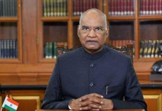 இந்திய கலாச்சார ஆய்வுக் குழுவை கலைக்க கோரி 32 ...