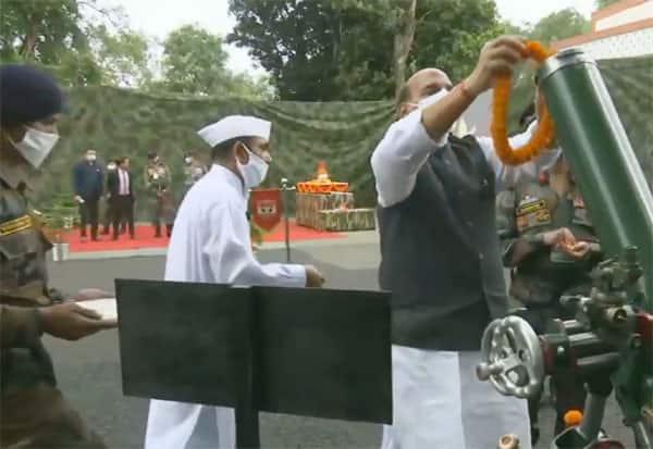 BJP,Rajnath Singh,பா.ஜ,ராஜ்நாத் சிங், பூஜை