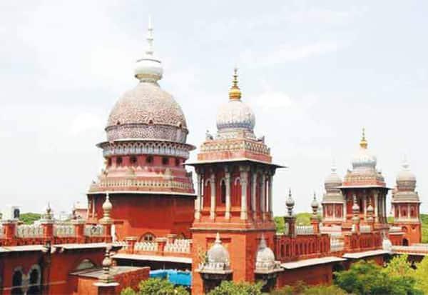 காகித அளவில் 'இ -- சேவை': உயர் நீதிமன்றம் அதிருப்தி