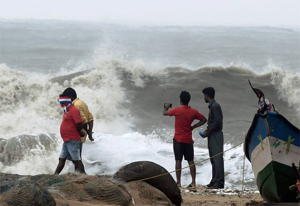 Cyclone Nivar, Chennai, heavy rainfall, Tamil Nadu, Red Alert
