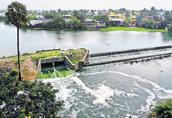 'நிவர்'புயல் (நவம்பர் 25) - தொடர் பதிவு Tamil_News_large_2659100