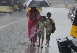 நிவர் புயல் காரணமாக 4 மாவட்டங்களில் கனமழை தொடரும்