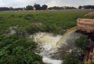 திறப்பு! மாரியம்மன் தெப்பக்குளத்திற்கு வைகை நீர்.. வினாடிக்கு 15 கன அடி வீதம் பாய்கிறது