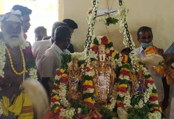 கரிவரதராஜ பெருமாளுக்கு திருக்கல்யாணம் கோலாகலம்