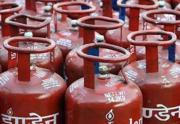 GasCylinder, Price, Hike, Rs50, காஸ், சிலிண்டர், விலை, உயர்வு
