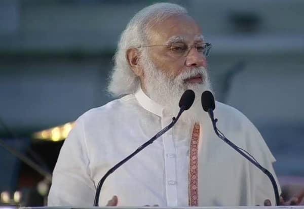 நேதாஜியை புகழ்ந்த பிரதமர் மோடி
