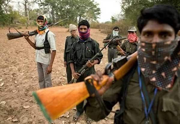 சத்தீஸ்கரில் 12 பெண்கள் உட்பட 24 நக்சல்கள் சரண்