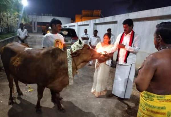 தேர்தல் ஓட்டுப்பதிவையொட்டி தி.மு.க., வேட்பாளர் கோ பூஜை