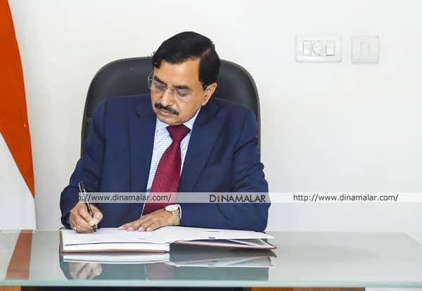 தலைமை தேர்தல் கமிஷனர், சுஷில் சந்திரா, பதவியேற்பு