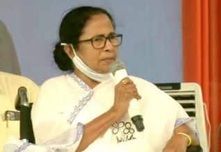 மம்தாவுக்கு ஒரு நாள் பிரசார தடை: தேர்தல் ஆணையம்