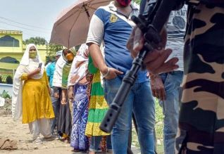 மே.வங்கம்: பல கட்ட தேர்தலால் 40 மடங்கு தொற்று ...