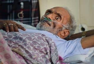 3வது அலை  தவிர்க்க முடியாதது: எய்ம்ஸ் இயக்குநர்