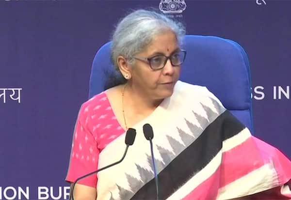 Credit Guarantee Scheme, Nirmala Sitharaman, Finance Minister, நிர்மலா சீதாராமன், கடனுதவி, நிதியமைச்சர், கடன், தொழில்துறை
