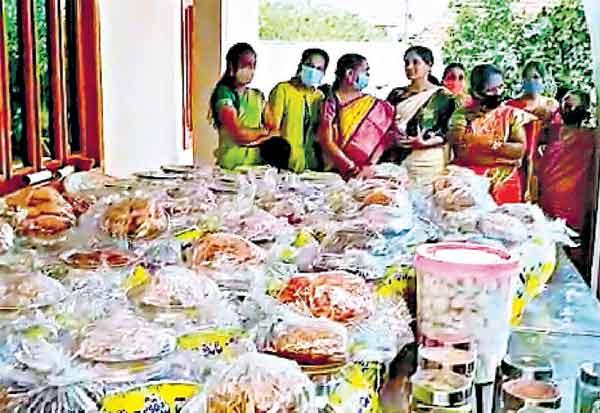 1,000 கிலோ மீன், 200 கிலோ இறால் ஏனாமில் மருமகனுக்கு மாமனார் 'சீர்'