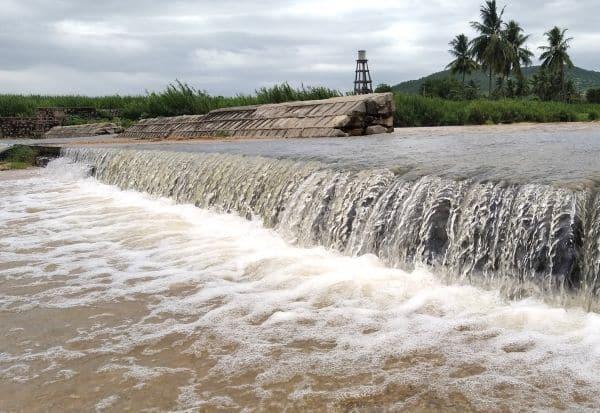 'லவா' ஆற்றில் வெள்ளப்பெருக்கு