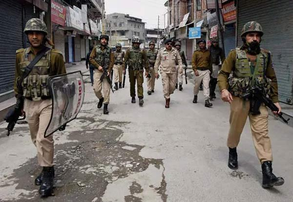LashkarETaiba, Terror Module, JK, Police, Busts, 4 Arrested, ஜம்மு காஷ்மீர், பயங்கரவாதிகள், தாக்குதல், போலீஸ், கைது