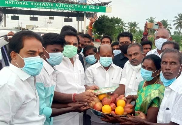 தமிழக எதிர் கட்சி தலைவர் பழனிசாமிக்கு வரவேற்பு
