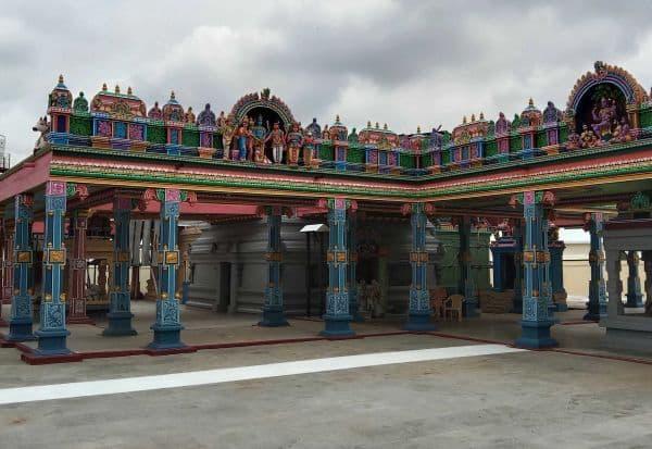 கும்பாபிேஷகம் காண காத்திருக்கும் பக்தர்கள்