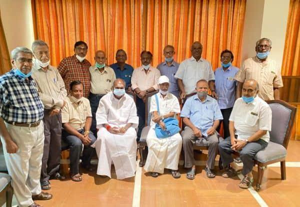 முன்னாள் மாணவர்கள் கூட்டம் முதல்வர் ரங்கசாமி பங்கேற்பு