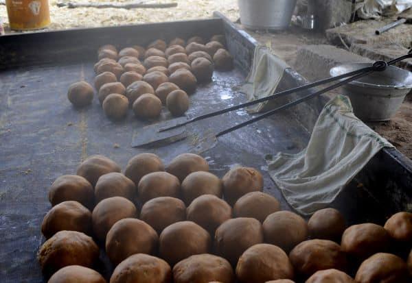 ஆர்.கே.பேட்டை வயல்வெளிகளில் மணக்கிறது 'வெல்லப் பாகு'