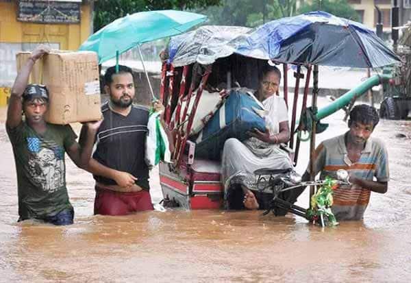 ASSAM, HEAVY RAIN, 11 DISTRICT, DAMEGE, அசாம், கனமழை, 11 மாவட்டங்கள், தத்தளிப்பு