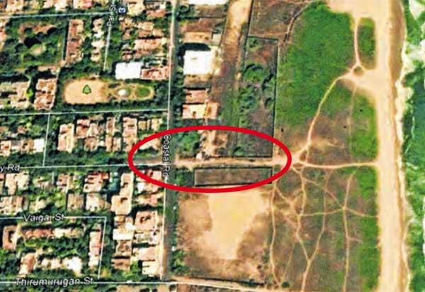 பெசன்ட் நகரில் வணிக மனையானது பொது பாதை