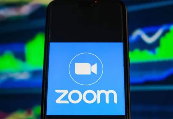 Zoom Shares, Record, Worst, WFH, Surge Ends, ஜூம் செயலி, ஜூம், நிறுவனம், பங்குகள், வீழ்ச்சி