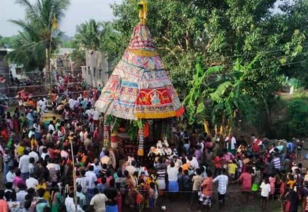 மாரியம்மன் கோவில் தேர் வெள்ளோட்டம்