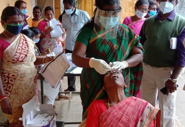 ஆசிரியர், மாணவர்களுக்கு கொரோனா 'டெஸ்ட்': இரு நாட்களில் 'ரிப்போர்ட்' கொடுக்க தீவிரம்