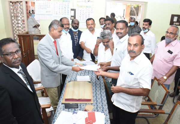 தேசிய லோக்அதாலத்; ரூ.3.73 கோடி இழப்பீடு: 975 வழக்குகளில் 371க்கு தீர்வு