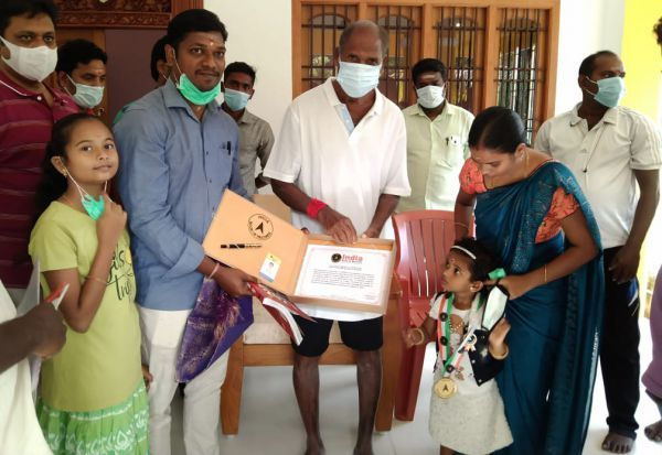 இந்தியன் புக் ஆப் ரெக்கார்டில் இடம் பிடித்த 2 வயது குழந்தை