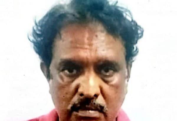 டாக்டரிடம் மோசடி; இருவருக்கு குண்டாஸ்